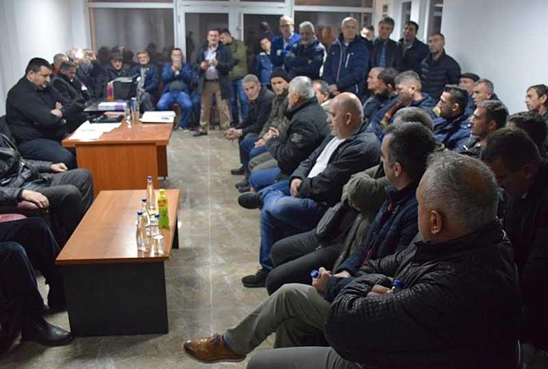 Sastanak u prostorijama građanske inicijative u Tutinu