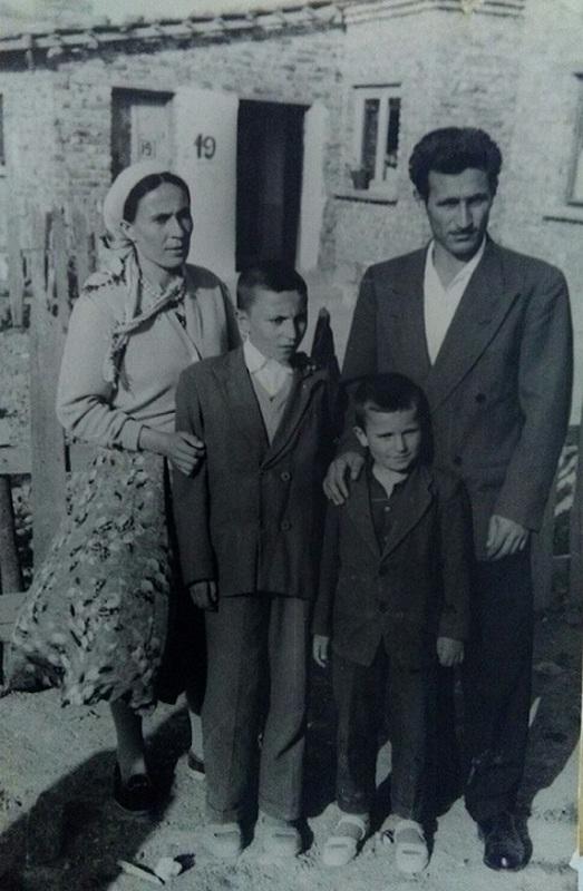 6.-Mula-Omerov-sin-Numan-Bibić-Ok-sa-suprugom-Zadom-i-sinovima-Metom-i-Šefketom-u-Istanbulu-1960.-godine
