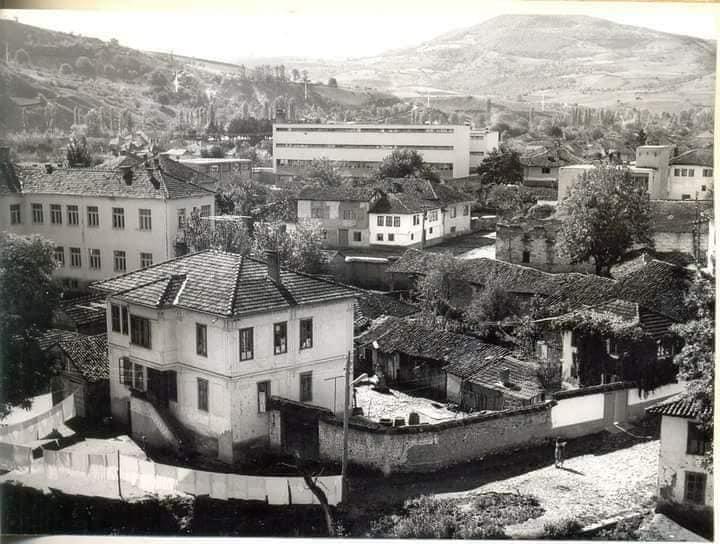 Stambena zgrada koju je Sumbuliko izgradio za stanovanje.