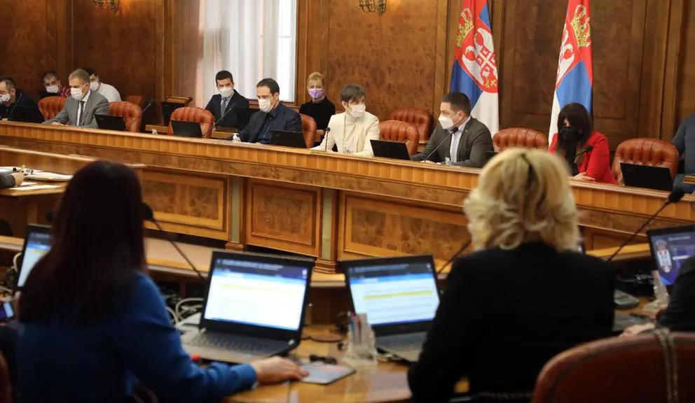 Srbija u pet zemalja koje najbrže klize u autokratiju