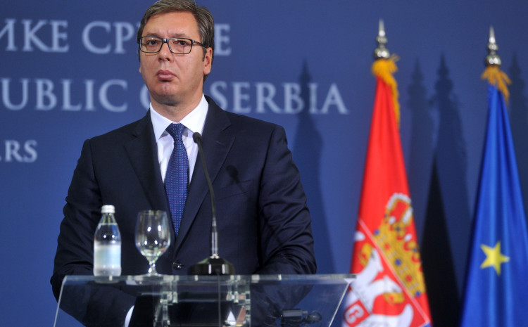 Vučić: Smjena Dodika bi bila opasan presedan, Šmit tako nešto ne bi uradio