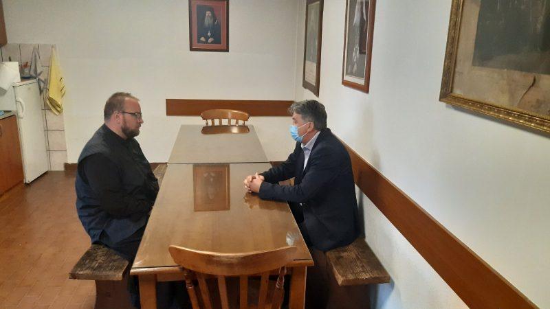 Šefadil Spahić u obilazak Pravoslavne crkve u Novom Pazaru